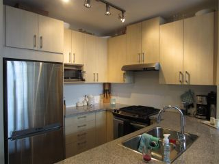 Photo 3: 110 3156 DAYANEE SPRINGS BOULEVARD in Coquitlam: Westwood Plateau Condo for sale : MLS®# R2137060