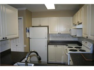 """Photo 3: # 6 11229 232ND ST in Maple Ridge: East Central Condo for sale in """"FOXFIELD"""" : MLS®# V936880"""