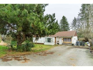 """Photo 16: 5858 172A Street in Surrey: Cloverdale BC House for sale in """"Cloverdale"""" (Cloverdale)  : MLS®# R2432052"""