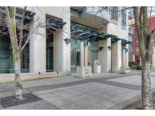 """Photo 2: 2406 1239 W GEORGIA Street in Vancouver: Coal Harbour Condo for sale in """"VENUS"""" (Vancouver West)  : MLS®# V929184"""