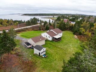 Photo 2: 1677 Ostrea Lake Road in Musquodoboit: 35-Halifax County East Residential for sale (Halifax-Dartmouth)  : MLS®# 202102985