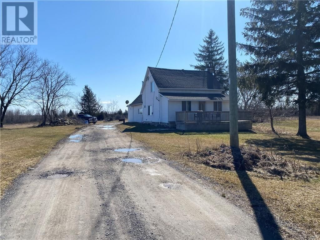 Main Photo: 1290 CONCESSION 2 ROAD in Alfred: House for sale : MLS®# 1233778