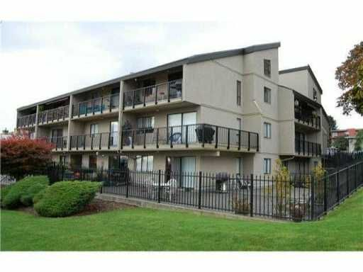 """Main Photo: 204 803 QUEENS Avenue in New Westminster: Uptown NW Condo for sale in """"SUNDAYLE MANOR"""" : MLS®# V874130"""