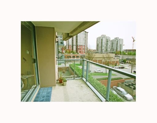 Photo 6: Photos: 202 98 10TH Street in New Westminster: Downtown NW Condo for sale : MLS®# V642550