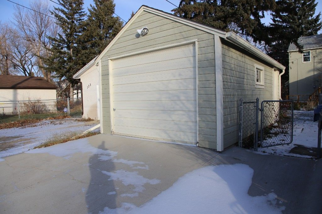 Photo 40: Photos: 125 Lindsay Street in WINNIPEG: River Heights Single Family Detached for sale (South Winnipeg)  : MLS®# 1427795