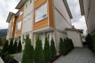 """Photo 1: 7 1188 WILSON Crescent in Squamish: Downtown SQ Townhouse for sale in """"Current"""" : MLS®# R2147164"""