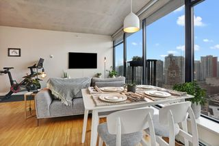 """Photo 4: 2508 128 W CORDOVA Street in Vancouver: Downtown VW Condo for sale in """"WOODWARDS"""" (Vancouver West)  : MLS®# R2625433"""