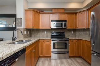 """Photo 9: 3 18087 70 Avenue in Surrey: Cloverdale BC Townhouse for sale in """"PROVINCETON"""" (Cloverdale)  : MLS®# R2210473"""