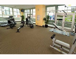 """Photo 7: 1104 438 SEYMOUR Street in Vancouver: Downtown VW Condo for sale in """"CONFERENCE PLAZA"""" (Vancouver West)  : MLS®# V776093"""