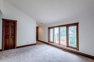 Photo 23: 331 Coach Light Bay SW in Calgary: Coach Hill Detached for sale : MLS®# A1132031
