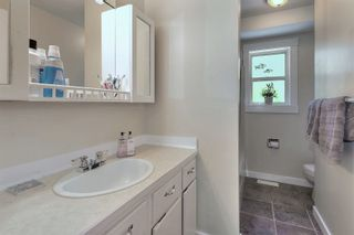 Photo 2: 1805 Edgehill Court in Kelowna: North Glenmore House for sale (Central Okanagan)  : MLS®# 10142069