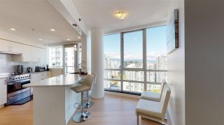 Photo 9: 3103 1201 MARINASIDE Crescent in Vancouver: Yaletown Condo for sale (Vancouver West)  : MLS®# R2575825
