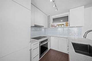 """Photo 5: 1607 668 COLUMBIA Street in New Westminster: Quay Condo for sale in """"TRAPP + HOLBROOK"""" : MLS®# R2597891"""