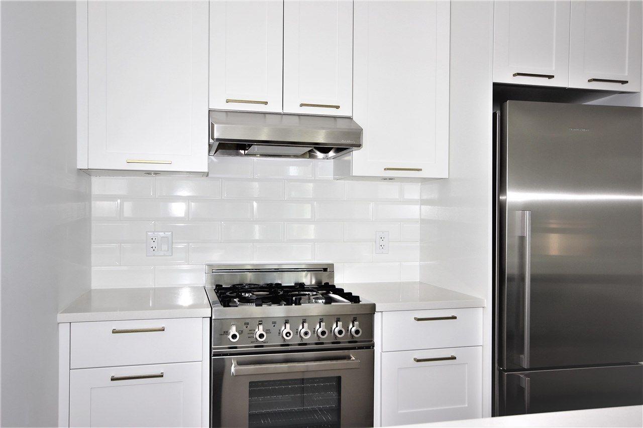 Main Photo: 501 168 E 35TH AVENUE in : Main Condo for sale : MLS®# R2196621