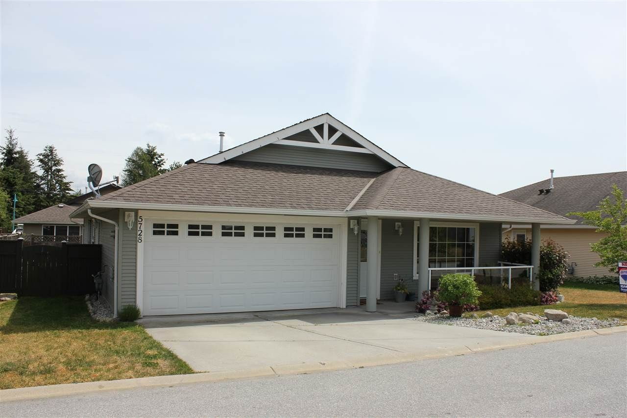 Main Photo: 5728 EMILY Way in Sechelt: Sechelt District House for sale (Sunshine Coast)  : MLS®# R2070288