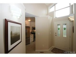 Photo 9: 17 500 Marsett Pl in VICTORIA: SW Royal Oak Row/Townhouse for sale (Saanich West)  : MLS®# 711729