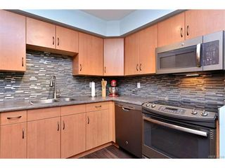 Photo 3: 5 736 Wilson St in VICTORIA: VW Victoria West Row/Townhouse for sale (Victoria West)  : MLS®# 747551