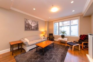 "Photo 3: 310 SEYMOUR RIVER Place in North Vancouver: Seymour NV Townhouse for sale in ""The Latitudes"" : MLS®# R2333638"