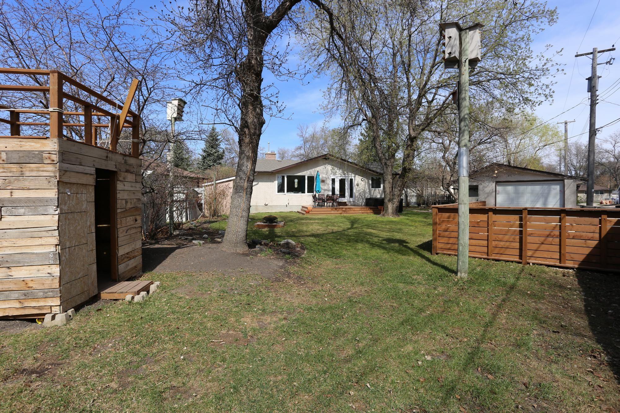 Photo 30: Photos: 1322 Valour Road in Winnipeg: Sargent Park Single Family Detached for sale (5C)  : MLS®# 1811835