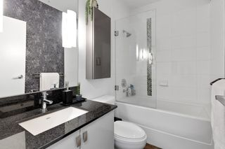 """Photo 21: 402 121 BREW Street in Port Moody: Port Moody Centre Condo for sale in """"ROOM"""" : MLS®# R2581477"""