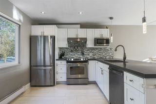 """Photo 6: 8232 ELKWOOD Place in Burnaby: Forest Hills BN Townhouse for sale in """"FOREST MEADOWS"""" (Burnaby North)  : MLS®# R2530254"""