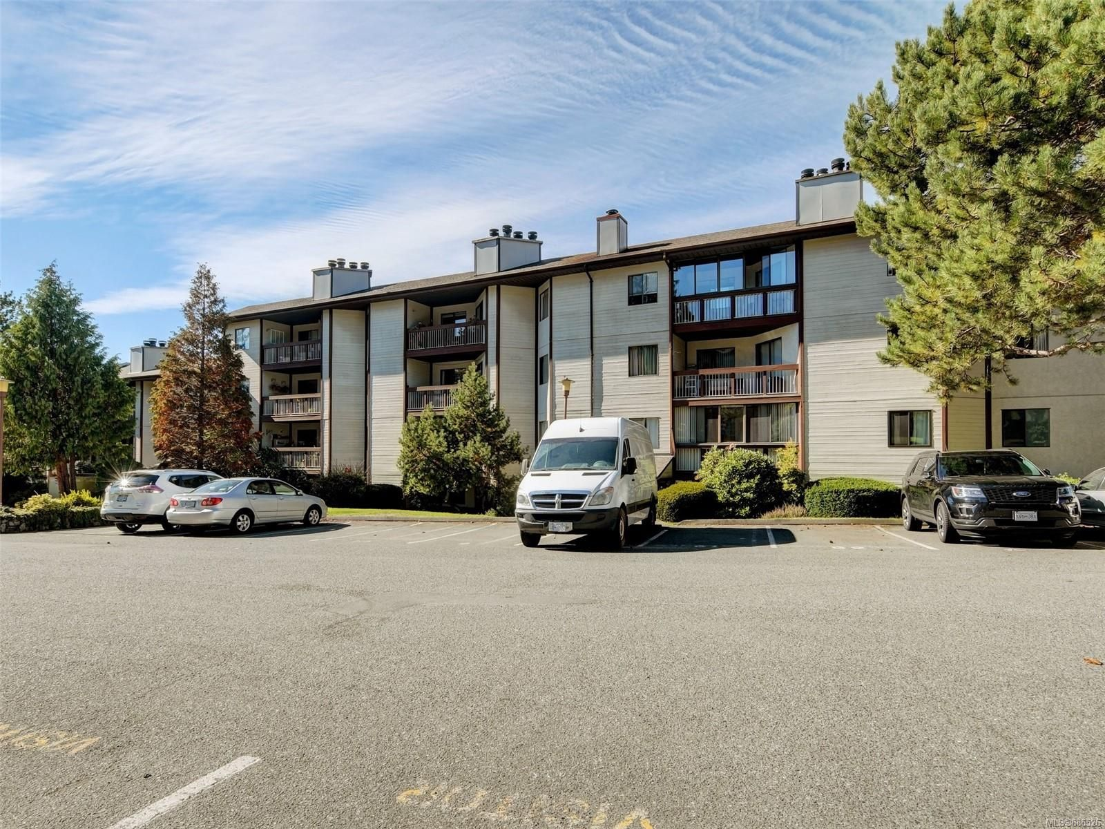 Main Photo: 205 71 W Gorge Rd in : SW Gorge Condo for sale (Saanich West)  : MLS®# 886526
