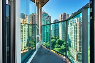 """Photo 5: 1205 788 HAMILTON Street in Vancouver: Downtown VW Condo for sale in """"TV TOWER 1"""" (Vancouver West)  : MLS®# R2614226"""