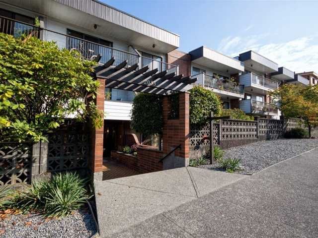 """Main Photo: 225 2033 TRIUMPH Street in Vancouver: Hastings Condo for sale in """"MCKENZIE HOUSE"""" (Vancouver East)  : MLS®# V1026314"""