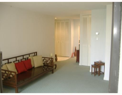 """Photo 4: Photos: 101 1341 CLYDE Avenue in West Vancouver: Ambleside Condo for sale in """"CLYDE GARDENS"""" : MLS®# V759733"""