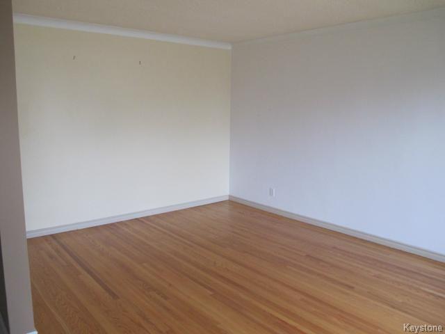 Photo 8: Photos:  in WINNIPEG: East Kildonan Residential for sale (North East Winnipeg)  : MLS®# 1414106