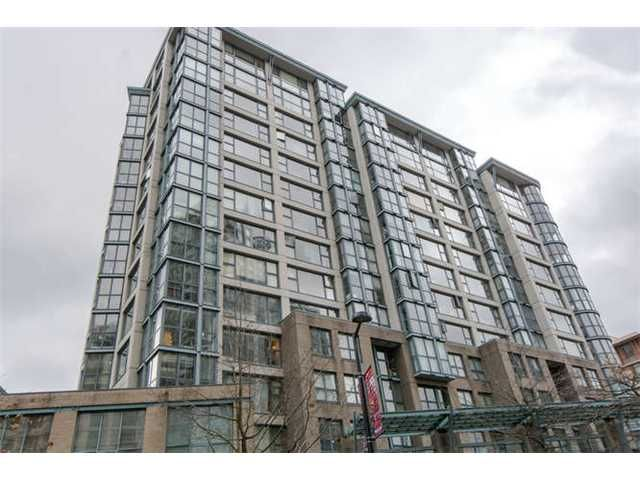 "Main Photo: 301 1177 PACIFIC Boulevard in Vancouver: Yaletown Condo for sale in ""Pacific Point"" (Vancouver West)  : MLS®# V1054200"