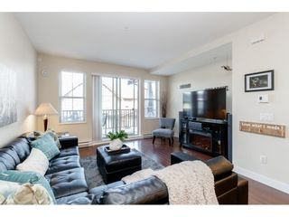 """Photo 4: 98 9525 204 Street in Langley: Walnut Grove Townhouse for sale in """"TIME"""" : MLS®# R2401291"""
