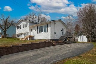Photo 2: 2 Pinecrest Boulevard in Bridgewater: 405-Lunenburg County Residential for sale (South Shore)  : MLS®# 202109793
