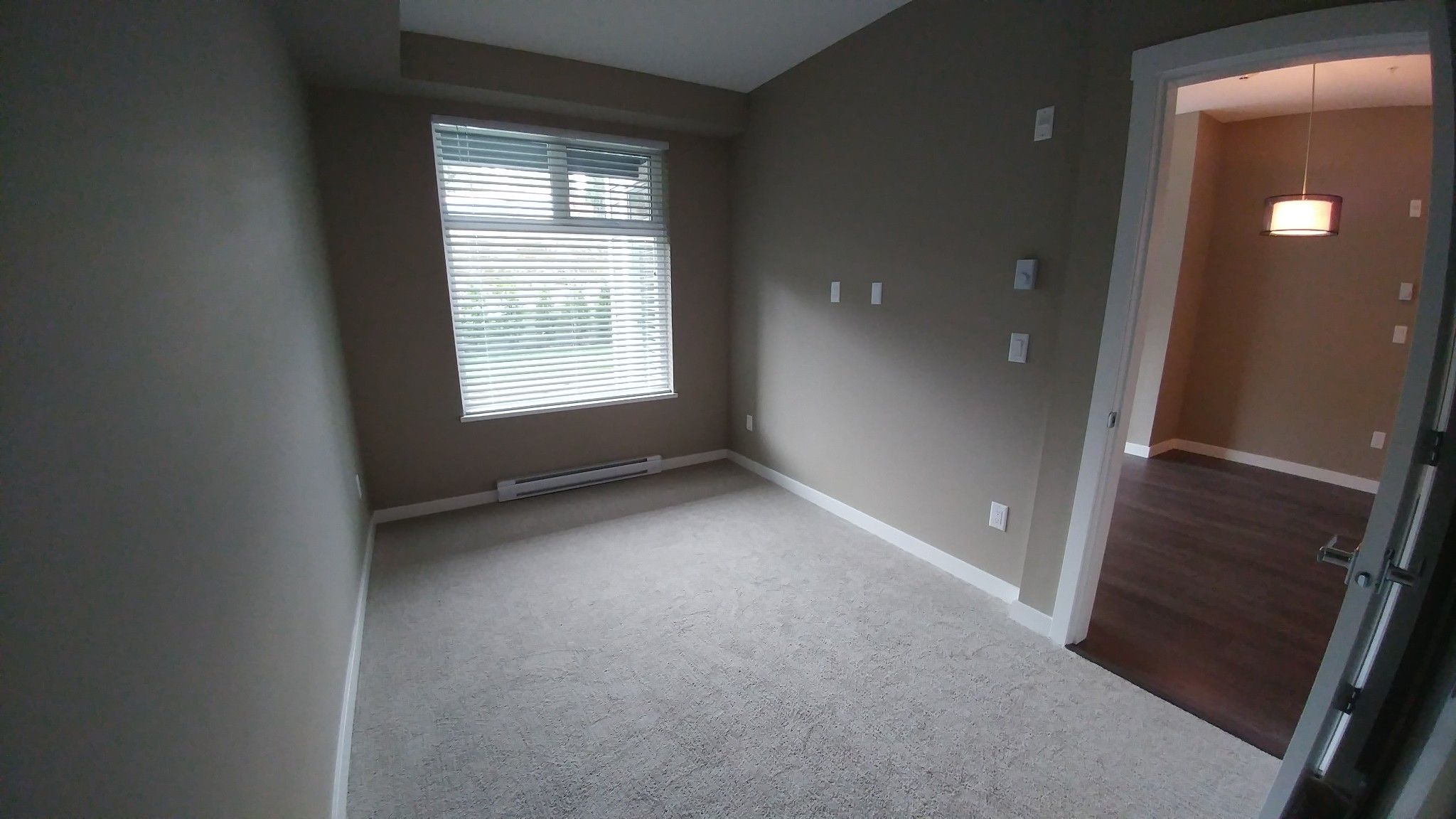Photo 9: Photos: #209 2242 Whatcom Rd. in Abbotsford: Abbotsford East Condo for rent