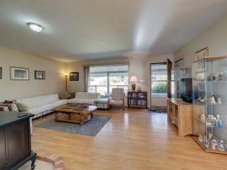 """Photo 11: 8089 REDROOFFS Road in Halfmoon Bay: Halfmn Bay Secret Cv Redroofs House for sale in """"WELCOME WOODS"""" (Sunshine Coast)  : MLS®# R2563771"""