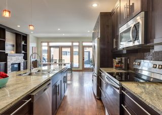 Photo 11: 3322 41 Street SW in Calgary: Glenbrook Detached for sale : MLS®# A1069634