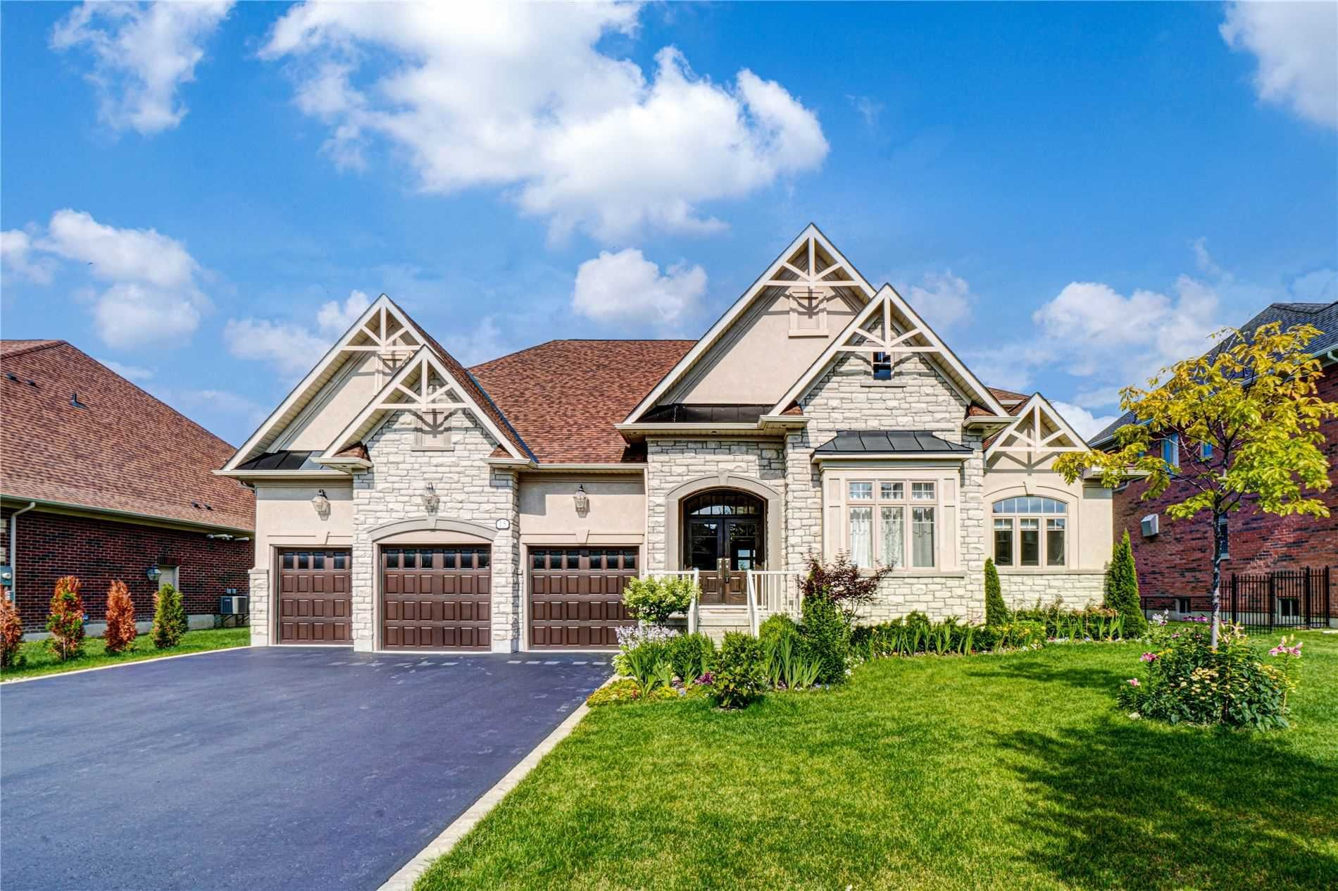 Main Photo: 15 Country Club Cres: Uxbridge Freehold for sale : MLS®# N5376947