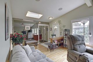 Photo 4: 924 CANNOCK Road SW in Calgary: Canyon Meadows Detached for sale : MLS®# A1135716
