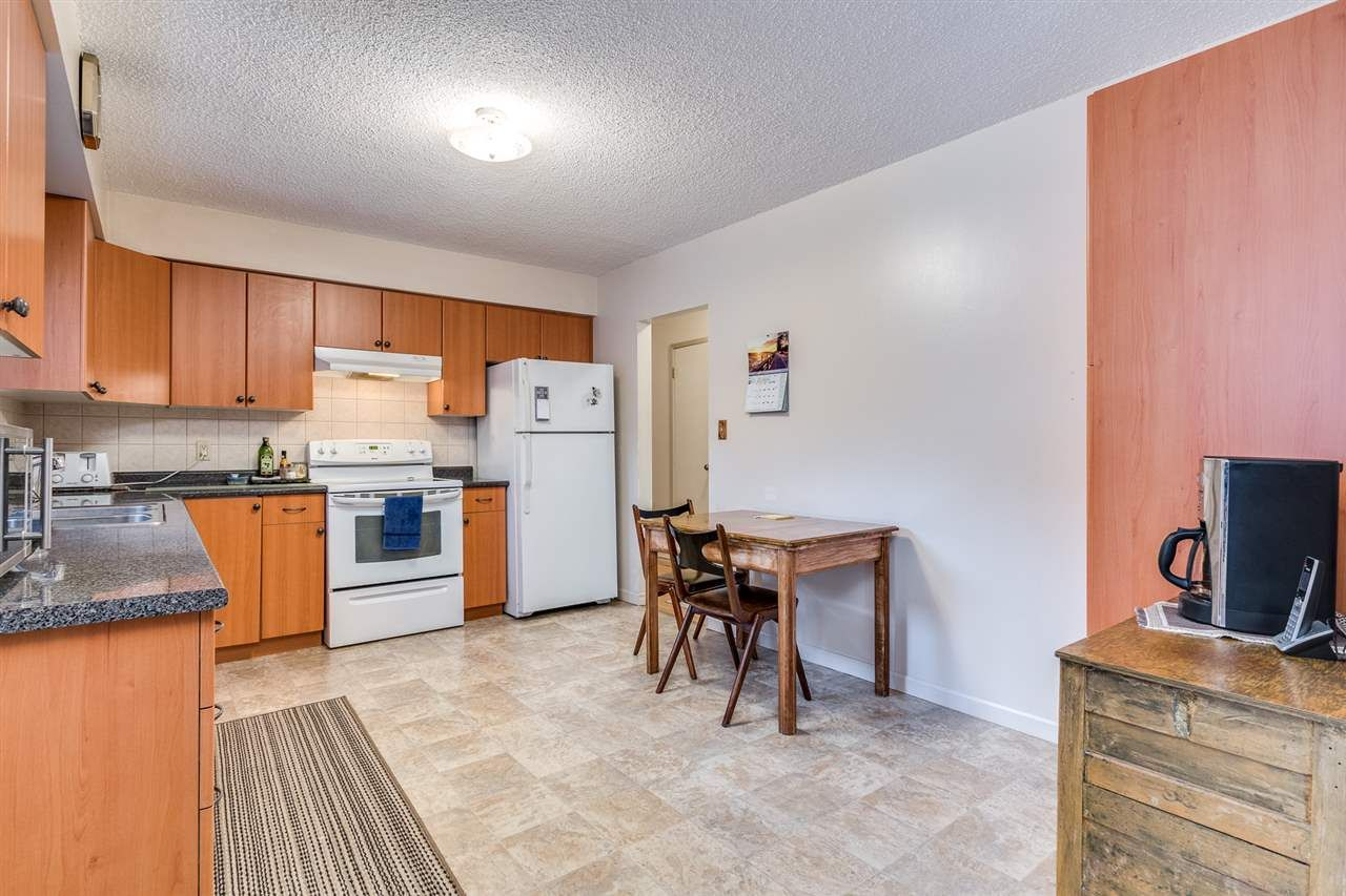 Photo 10: Photos: 3655 COAST MERIDIAN Road in Port Coquitlam: Glenwood PQ House for sale : MLS®# R2528909