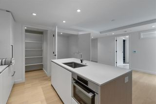 """Photo 3: 405E 1365 DAVIE Street in Vancouver: Downtown VW Condo for sale in """"MIRABEL"""" (Vancouver West)  : MLS®# R2625261"""