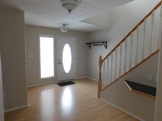 Photo 2: 3 Bedroom half Duplex in Westgrove area of Edson, AB
