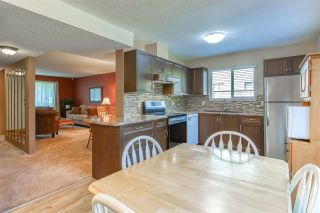 """Photo 10: 6928 134 Street in Surrey: West Newton 1/2 Duplex for sale in """"BENTLEY"""" : MLS®# R2490871"""