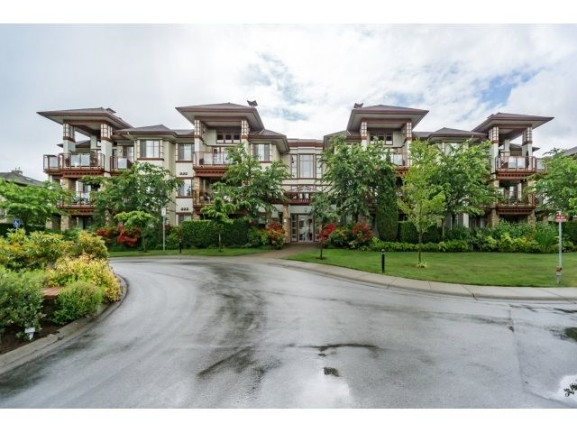 "Main Photo: 103 16483 64 Avenue in Surrey: Cloverdale BC Townhouse for sale in ""St. Andrews"" (Cloverdale)  : MLS®# R2076042"
