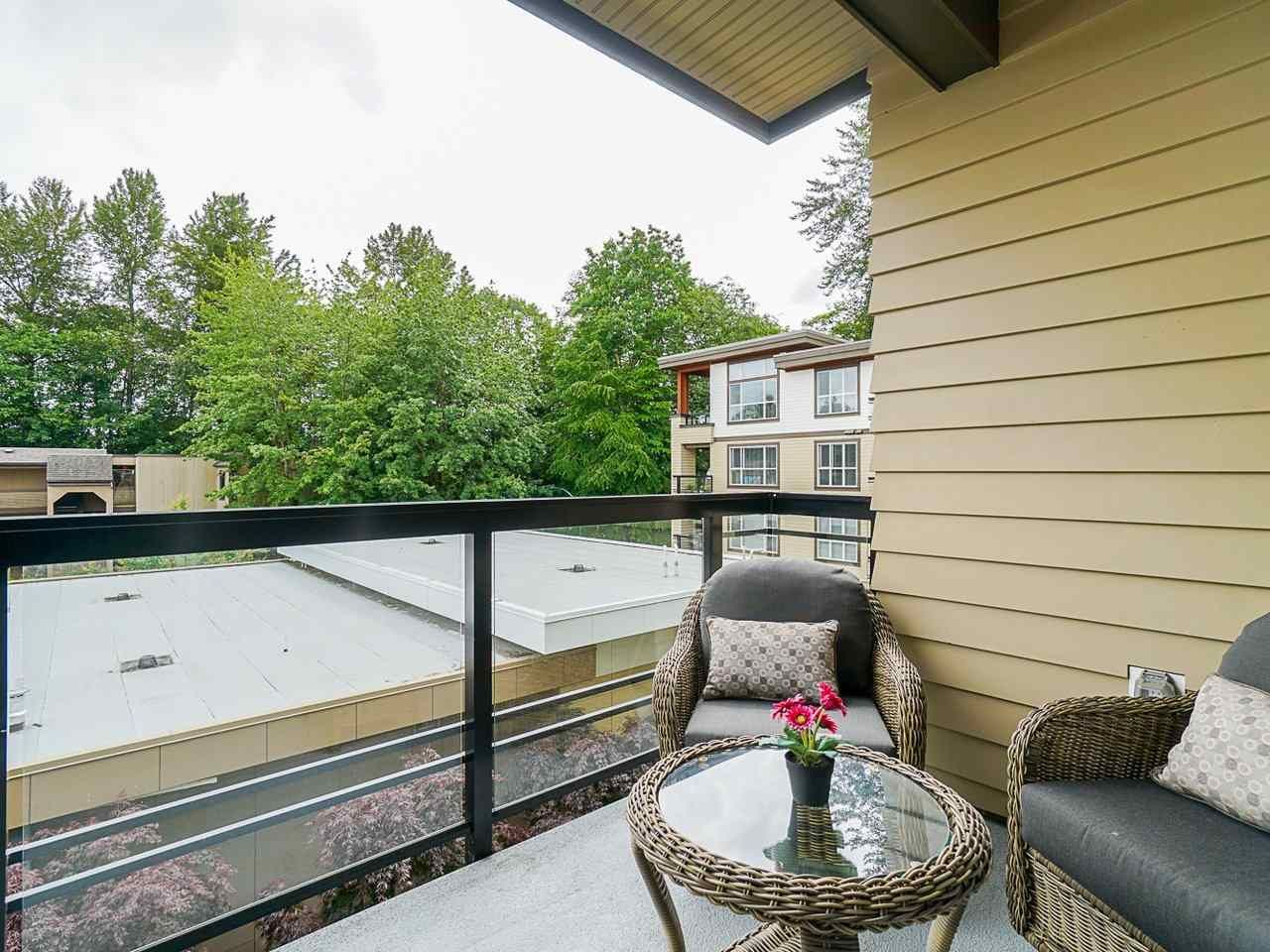 "Photo 26: Photos: 302 3205 MOUNTAIN Highway in North Vancouver: Lynn Valley Condo for sale in ""Mill House"" : MLS®# R2464769"