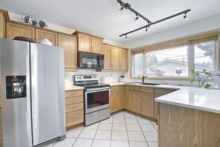 Photo 17: 30 Wakefield Drive SW in Calgary: Westgate Detached for sale : MLS®# A1136370