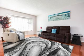 Photo 5: 676 Community Row in Winnipeg: Charleswood Residential for sale (1G)  : MLS®# 202115287