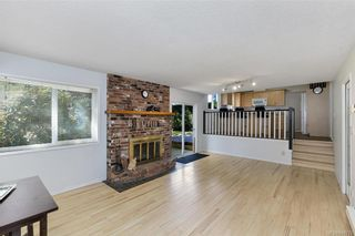 Photo 13: 1209 Camas Crt in Saanich: SE Lake Hill House for sale (Saanich East)  : MLS®# 844776