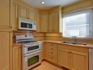 Photo 3: 634 10 Avenue NE in CALGARY: Renfrew_Regal Terrace Residential Detached Single Family for sale (Calgary)  : MLS®# C3582320