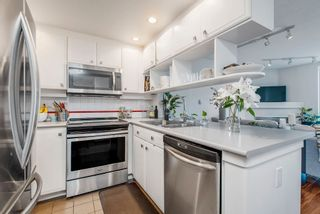 """Photo 10: 422 2255 W 4TH Avenue in Vancouver: Kitsilano Condo for sale in """"THE CAPERS BUILDING"""" (Vancouver West)  : MLS®# R2565232"""