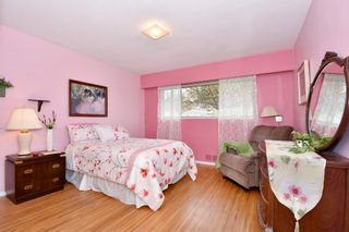 """Photo 9: 4785 FAIRLAWN Drive in Burnaby: Brentwood Park House for sale in """"Brentwood Park"""" (Burnaby North)  : MLS®# R2305657"""